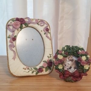 Other - Vintage romantic frame duo